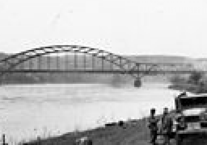 on-march-71945-world-war-ii-american-troops-seize-the-ludendorff-bridge-over-the-rhine-river-at-remagen